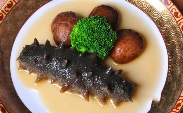 海参香菇浇汁美味菜品